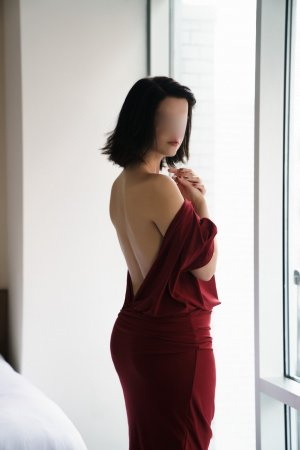 Lilou-rose sex club & outcall escorts